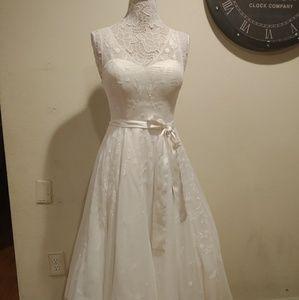 ModCloth White Lace Vintage Dress
